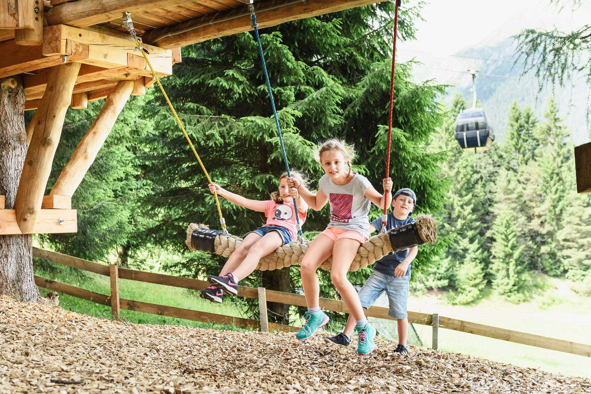 Kinderbetreuung im Sommer Camp Big Family